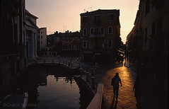 Venezia backlight (Campiello Maddalena) (tankkiller1) Tags: city sunset summer vacation italy holiday backlight landscape photography photo rita venezia szabadsg canale nyr csatorna olaszorszg vakci
