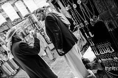 life in the souks of Sana'a, Yemen (anthony pappone photography) Tags: world pictures travel people bw digital canon lens photography photo blackwhite republic foto image picture culture best unesco arab arabia yemen fotografia sanaa ramadan reportage photograher sejima suk arabo yemeni phototravel yaman arabie arabiafelix اليمن arabianpeninsula يمني صنعاء 也門 йемен جنبية 공화국 υεμένη alyaman yemenpicture yemenpictures eos5dmarkii 아랍 यमन 예멘 mediorient
