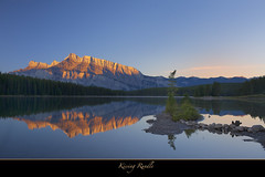 "Kissing Rundle-Happy Birthday Panta! (Joalhi ""Back in Miami"") Tags: mountain lake canada reflection sunrise alberta banff alpenglow rundle twojacklake supershot thegalaxy coth5 sunrays5"