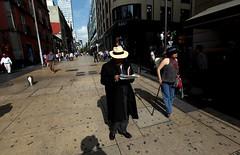 IMG_2340 (rastamaniaco) Tags: street city mexico calle df centro ciudad sombrero madero señor