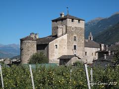 Castello Sarriod de la tour (1390) (farsergio) Tags: travel italy castle europa europe italia castello viaggio vacanza aosta medioevo middleage valledaosta saintpierre farsergio sarrioddelatour ixus980is