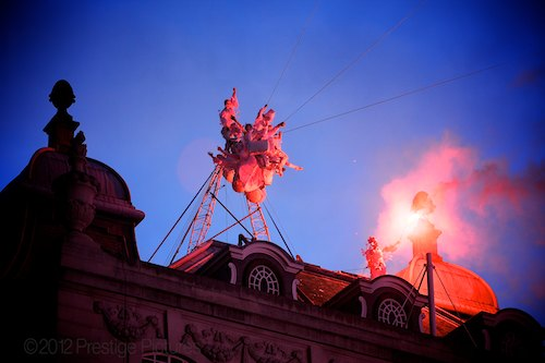 Les Studios de Cirque performed the big finale of the popup circus day high above Piccadilly Circus