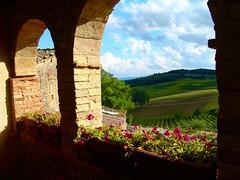 Under the tuscan sky.... (massimiliano m.) Tags: italy sony tuscany sangimignano toscana abigfave