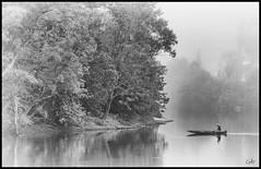 Beynac- pcheur sur la Dordogne (@lain G) Tags: france dordogne prigord beynac aquitaine prigordnoir