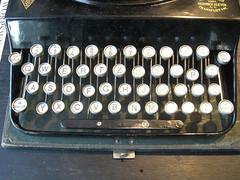 Schreib mal wieder (mkorsakov) Tags: typewriter vintage keys retro list sylt schreibmaschine tasten