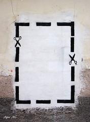 Recortes (Agus MC) Tags: españa muro wall canon pared graffiti spain cut scissors murcia recortar tijeras alhamademurcia ixus105 agusmc