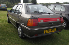 1994 PROTON 1.5 MPI SL AUTO (Yugo Lada) Tags: auto old brown west cars car photo amazing nice very garage 15 surrey sl clean end 1994 lovely proton owner 2012 mpi oap l198fpg