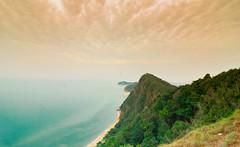 Bukit Kluang,Besut (Azizasrar Photoghraphy) Tags: amateurtobepro travellight slowshutter lake morning sun ocean