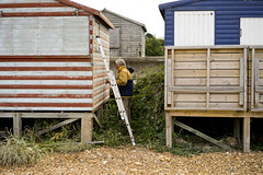 Painting a Hut (jamiethompson01) Tags: whitstable beach uk unitedkingdom august sony a7 zeiss 55mm 18f oysters