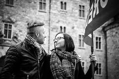 Krlek under fanorna (Michael Erhardsson) Tags: 1a frsta maj arbetarrrelsen vnsterpolitik politik demonstrera rttvisa rebro 2015 vnsterpartiet kvinna kvinnligt solidaritet tga demonstrationstg demokrati demokratiska demokratiskt demonstration socialism ideologi rstrtt rsta rtt rd