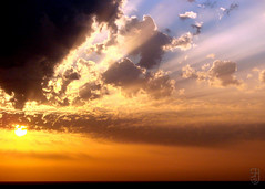 Sunset-00221 (Stein Arne Jensen) Tags: canaryislands clouds espagne espanya espaa europa europe eurpoe grancanaria himmel islascanarias kanarischeinseln kanariyene landschaft landskap loscaiderosarguineguin mogn skyer sonnenuntergang sonydsch5 spain spania spanien steinarnejensen wolke ciel coucherdusoleil landscape landschap maisema nuages paisagem paisaje paysage puestadelsol sky solnedgang sunset                    mogan