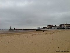 Margate beach and pier (Riccardo Borlenghi) Tags: margate kent bay beach pier seawall thanet isle