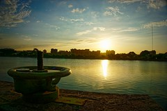 2016-09-21 17.20.27 (pang yu liu) Tags: 2016 09 sep pond pate park    yzu  sunset dusk