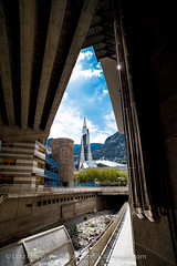 Andorra city: Escaldes (lutzmeyer) Tags: plaza city bridge summer water rio river puente bath aqua wasser place sommer platz centre center september septiembre verano infrastructure pont below kindergarten baixa brcke fluss spa placa unten andorra aigua pyrenees wellness estiu pirineos pirineus infrastruktur riu pyrenen setembre therme caldea escaldes thermalbad setiembre infrastructura warmwasser heilbad escolabressol stadtgebiet parvulari andorracity riuvaliranord lutzmeyer lutzlutzmeyercom placadelsdosvaliresescaldes pontjosepviladomat escolabressols
