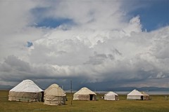 Yurts near Song Kl lake, Kyrgyzstan (Sekitar) Tags: lake clouds landscape song silkroad centralasia kyrgyzstan yurts pemandangan jurte kirgistan kirgisien seidenstrasse kl routedelasoie awah earthasia