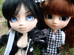 Sunny & Black Rock Shooter (Ahharu~) Tags: girls black rock doll dolls sunny pullip shooter custom pullips generation customs sheryls snds sheryldesigns