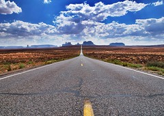 Monument Valley from Mile Marker 13 (IVG54) Tags: utah monumentvalley milemarker13 nikond300s