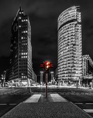 Potsdamer Platz Colour Key (030mm-photography) Tags: panorama orange colour berlin rot tower skyline deutschland key kunst sony hauptstadt unterdenlinden sightseeing center db gelb potsdamerplatz sonycenter sw grün farbe weiss mitte verkehr ampel schwarz hochhaus arkaden kolhoff vertikal künstlerisch strase selektiv verkehrsader