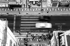Guardandovi dall'alto in basso - un'altra nei commenti - (sgt.pippo) Tags: bw strada lisboa bn alto bianco nero lisbona traffico