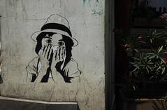 Tbilisi  Tysdag den 19. juli (dese) Tags: tbilisi gatekunst streetart girl july19 2016 georgia kaukasus caucasus sommar summer july hat hatt tysdag tuesday jente blomstrar flowers sakartvelo  georgien sakartwelo tiflis tbilissi  gruzija georgija  gergia