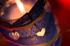 Esprimi un desiderio (ambrasimonetti) Tags: lanterna blu desiderio fuoco fire candela fiamma calore flame candle lantern heat cera carta barattolo bokeh