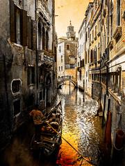 Venecia, Venice 026 (www.ignaciolinares.com) Tags: venecia venice venezia gondola canales sanmarcos feniche campanile ilduomo eldoge vaporetto veneto italia