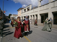 Monselice (Pd) (italyroberto) Tags: italy italia veneto monselice corteostorico medievale medieval parade gente people folklore folk architecture cityscape