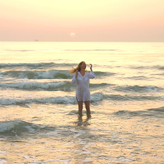 ... with a sunrise light i imagine the heaven's gate ... (MargoLuc) Tags: pink light sea woman sun selfportra