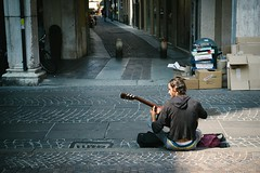 The Guitarist (Enzo Cositore Photography) Tags: street photography enzo guitarist cositore streetmantovaitalytheguitarrist
