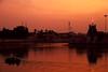 Thiruvarur Temple Tank (bmahesh) Tags: light sunset colors canon temple boat dusk canon5d mahesh kulam canonef24105mmf4isusm thiruvarur canoneos5dmarkii bmahesh thiruvarurtempletank