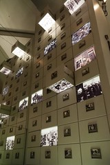 Imperial War Museum, Manchester (jacqueline.poggi) Tags: greatbritain england architecture manchester unitedkingdom architect angleterre salford catalua daniellibeskind imperialwarmuseum architecte thequays royaumeuni grandebretagne