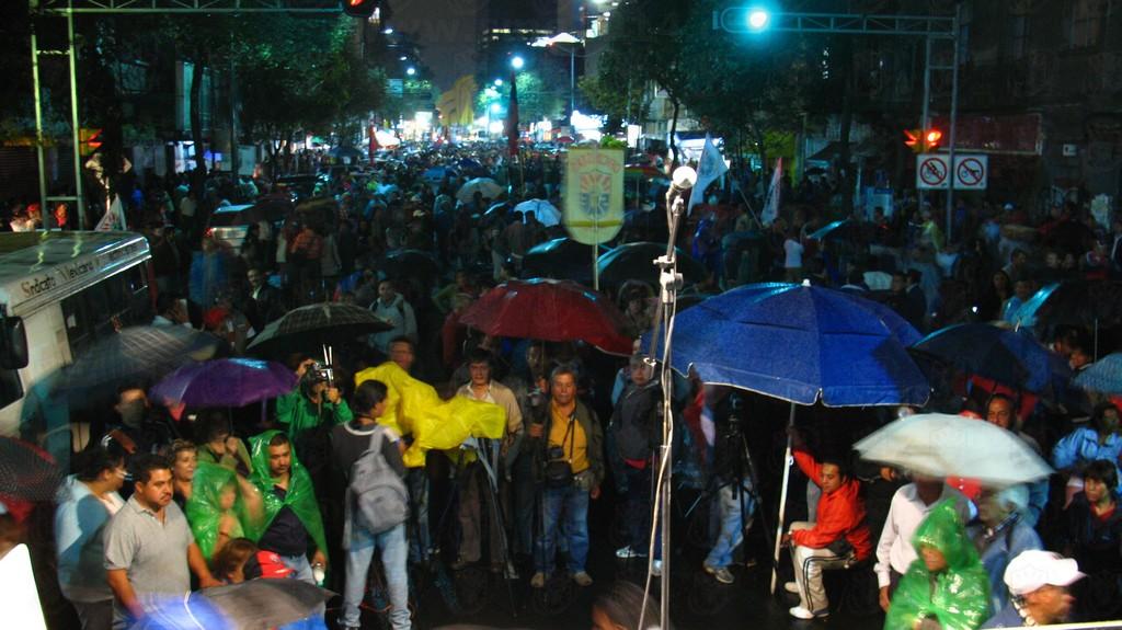 20121009 Reunión en Segob_001