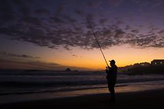 Pescador (ccerpa) Tags: nikon d3200 18105mm pescador playa atardecer las cruces chile