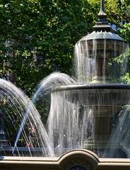 Fountain at City Hall Park (pjpink) Tags: cityhallpark park fountain cityhallparkfountain water splash manhattan nyc newyork newyorkcity ny urban city june 2016 summer pjpink