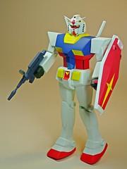 Damaged Box Build Up  Nostalgic Way  Bandai 1/100 RX-78 Mobile Suit Gundam  3 (My Toy Museum) Tags: water damage box bandai gundam nostalgic plastic kit gunpla