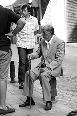Street character (Julin del Nogal) Tags: streetphoto streetphotography people urban character