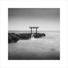 * Isosaki-jinja Shrine - Study 2 * (^soulfly) Tags: canon5dmarkii ef1740mm bwfilter nd110 japan isosakijinja toriigate ibarakiprefecture oarai simplicity seascape minimalistic