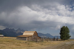 Barn in Tetons (jeffchartier57) Tags: notabletoleaveacomment beautifulphoto