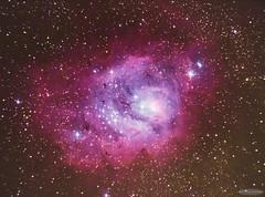 20 minutes in the Lagoon Nebula (M8) (AstroGuiGeek) Tags: astronomie astronomy astrophotography astrophotographie astro astro2016 astrophoto astroguigeek ciel cieldenuit cieltoil cielprofond sky skyatnight skyscape deepsky stars starry starrysky starrynight toiles toil t t2016 night nightphotography space universe espace lagoonnebula nbuleuse nbuleusedelalagune m8 nebula franceastronomie france milkyway voielacte canoneos600d canonphotography eos600d t3i 600d rebelt3i