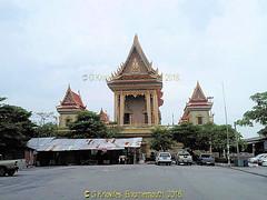 The Old tin roof workshop ruins the impression of Wat Bang Hua Suea, Moo 8, Phra Pradaeng, Samut Prakan Province, Thailand. (samurai2565) Tags: watbanghuasuea moo8 banbanghuasuea tambonbanghuasuea amphoephrapradaeng samutprakan samutprakanprovince thailand templesinsamutprakan