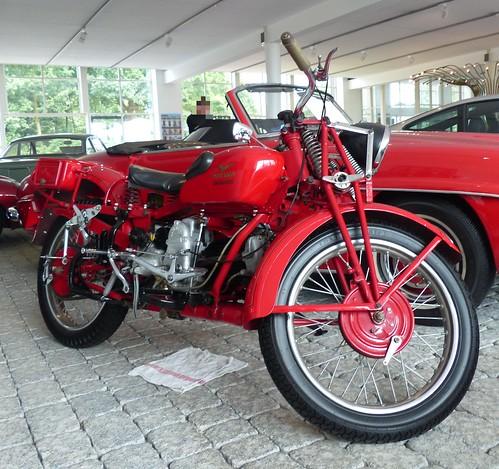 Moto Guzzi Superalce red vrt