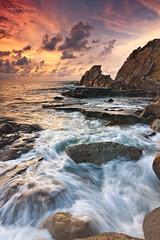 Summer End ( Azkorri ) (saki_axat) Tags: sunset seascape rocks waves coastal azkorri canonikos