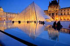 Muse du Louvre Paris (Steve W3) Tags: paris reflection water reflections louvre musee pyramids