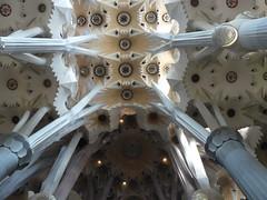 La Sagrada Familia (loutraje) Tags: cathdrale gaudi sagradafamil