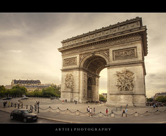 Arc de Triomphe, Paris, France :: HDR (:: Artie | Photography ::) Tags: paris france classic architecture photoshop canon champselysees europe famous arc wideangle structure handheld iconic arcdetriomphe charlesdegaulle ef 1740mm f4 hdr artie cs3 mounment 1806 3xp photomatix tonemapping tonemap 5dmarkii 5dm2