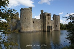 Bodiam castle(EXPLORED) (gmj49) Tags: water sussex sony east bodiamcastle gmj a350