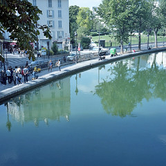 Canal Saint-Martin* (miki**) Tags: blue paris france 120 water canal saintmartin bluesky september reflected 2012    rolleiflex35f