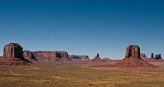 Monument Valley (travelben) Tags: national park usa america monument valley utah arizona southwest navajo nation colorado plateau butte clouds mountains desert view landscape amazing colors beautiful red travel road roadtrip staudt nature wonder tafelberg photographie beauty light john ford monolith native american outdoors scenic tribal land wild west outdoor color paysage