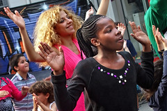 10 ans Maison des Cultures  20160528.0608 (Lieven SOETE) Tags: 2016 brussels bruxelles molenbeek sintjansmolenbeek molenbeeksaintjean art culture cultuur kultur social sozial sociale people peuple menschen young jeune juge jonge diversit diversity man woman homme femme red rouge rot rood dance danse danza tanz female fminine feminine weiblich femminile femminilit mulheres  kobiety femeile kadnlar vrouw frau kadn mujer mulher donna    body corpo cuerpo corps krper lady  child enfant kind kid bambini