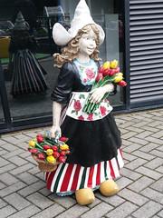Madurodam (zaqina) Tags: madurodam tulp tulpen meisje volendam